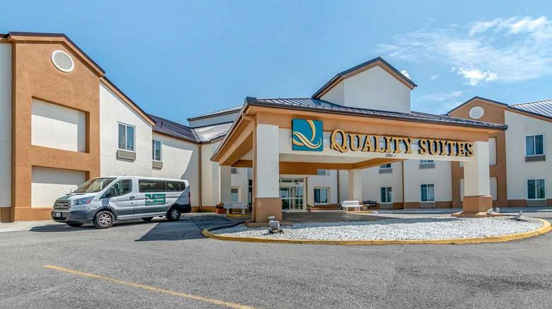 """Quality Suites Airport Exterior. Images powered by <a href=""""http://web.iceportal.com"""" target=""""_blank"""" rel=""""noopener"""">Ice Portal</a>."""