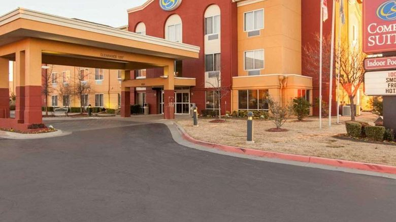 """Comfort Suites Central/I-44 Exterior. Images powered by <a href=""""http://web.iceportal.com"""" target=""""_blank"""" rel=""""noopener"""">Ice Portal</a>."""