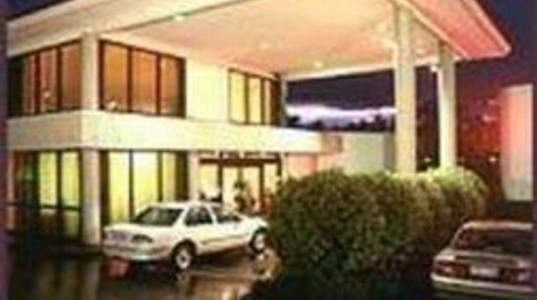 """Sandown Regency Motor Inn Exterior. Images powered by <a href=""""http://www.leonardo.com"""" target=""""_blank"""" rel=""""noopener"""">Leonardo</a>."""