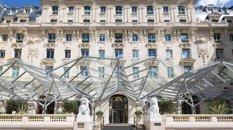 """The Peninsula Paris Exterior. Images powered by <a href=""""http://www.leonardo.com"""" target=""""_blank"""" rel=""""noopener"""">Leonardo</a>."""