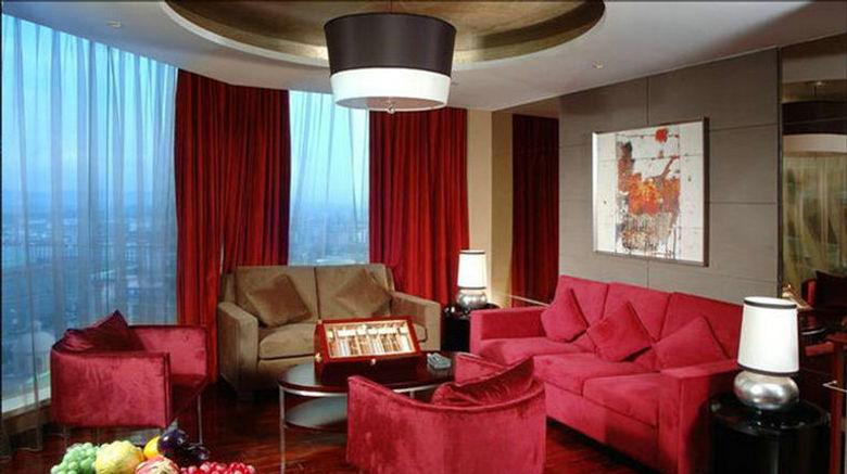 "Royal Garden Hotel Room. Images powered by <a href=""http://www.leonardo.com"" target=""_blank"" rel=""noopener"">Leonardo</a>."