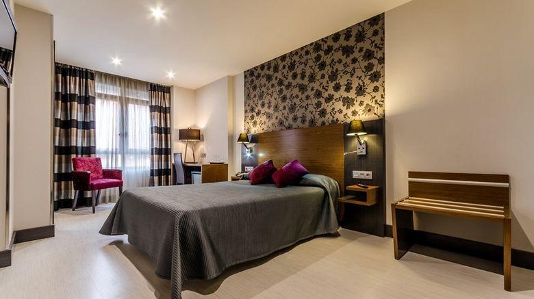 "Hotel Regio Room. Images powered by <a href=""http://www.leonardo.com"" target=""_blank"" rel=""noopener"">Leonardo</a>."