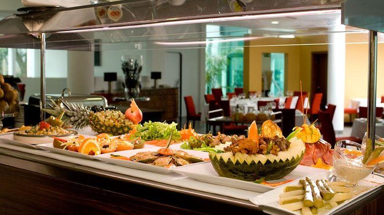 """Leziria Parque Restaurant. Images powered by <a href=""""http://www.leonardo.com"""" target=""""_blank"""" rel=""""noopener"""">Leonardo</a>."""