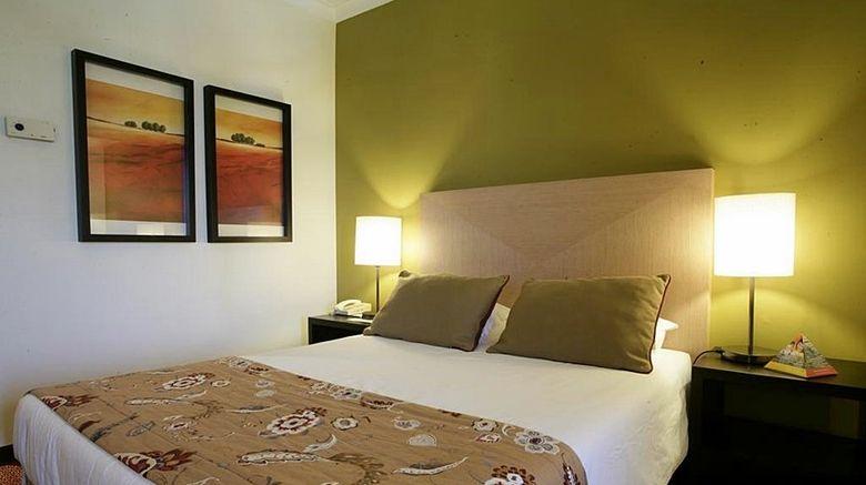 "Evora Hotel Room. Images powered by <a href=""http://www.leonardo.com"" target=""_blank"" rel=""noopener"">Leonardo</a>."