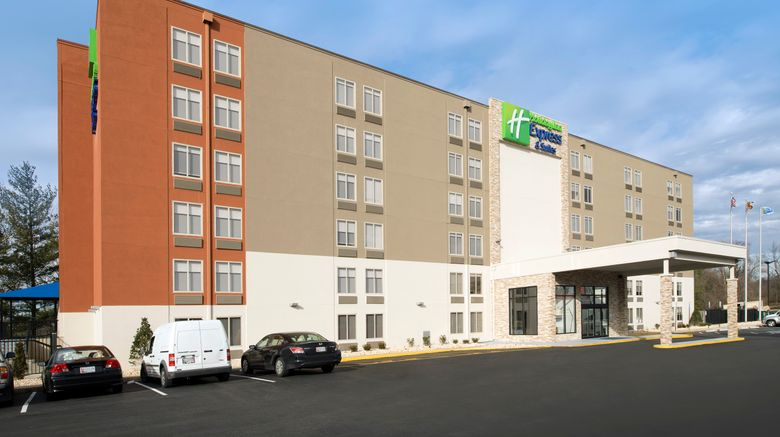 """Holiday Inn Express  and  Sts College Park Exterior. Images powered by <a href=""""http://www.leonardo.com"""" target=""""_blank"""" rel=""""noopener"""">Leonardo</a>."""