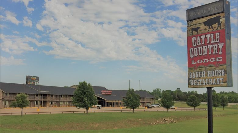 """Cattle Country Lodge Exterior. Images powered by <a href=""""http://www.leonardo.com"""" target=""""_blank"""" rel=""""noopener"""">Leonardo</a>."""