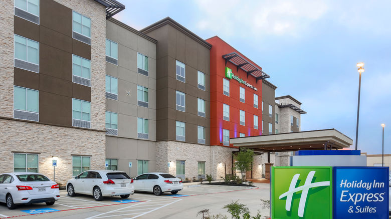 """Holiday Inn Express  and  Suites Houston SE Exterior. Images powered by <a href=""""http://www.leonardo.com"""" target=""""_blank"""" rel=""""noopener"""">Leonardo</a>."""