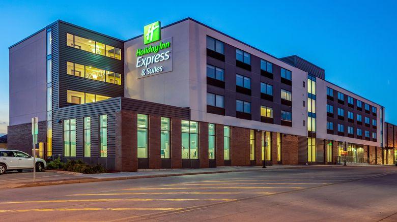 "Holiday Inn Express  and  Suites Platteville Exterior. Images powered by <a href=""http://www.leonardo.com"" target=""_blank"" rel=""noopener"">Leonardo</a>."