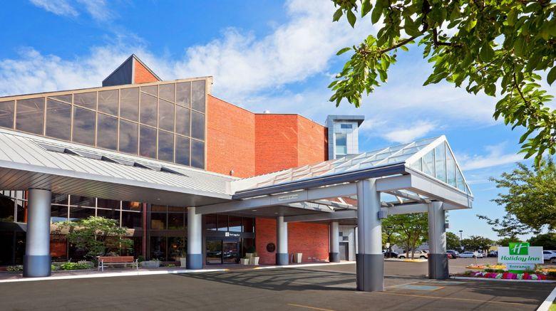 """Holiday Inn Oakville Centre Exterior. Images powered by <a href=""""http://www.leonardo.com"""" target=""""_blank"""" rel=""""noopener"""">Leonardo</a>."""