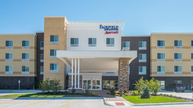 "Fairfield Inn  and  Suites Fort Wayne SW Exterior. Images powered by <a href=""http://www.leonardo.com"" target=""_blank"" rel=""noopener"">Leonardo</a>."