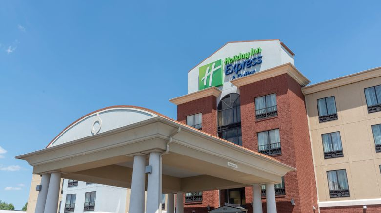 "Holiday Inn Express New Philadelphia Exterior. Images powered by <a href=""http://www.leonardo.com"" target=""_blank"" rel=""noopener"">Leonardo</a>."