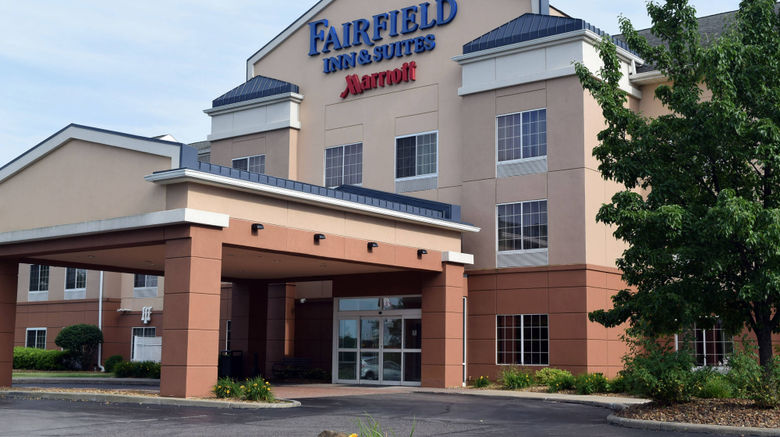 """Fairfield Inn  and  Suites Youngstown Exterior. Images powered by <a href=""""http://www.leonardo.com"""" target=""""_blank"""" rel=""""noopener"""">Leonardo</a>."""