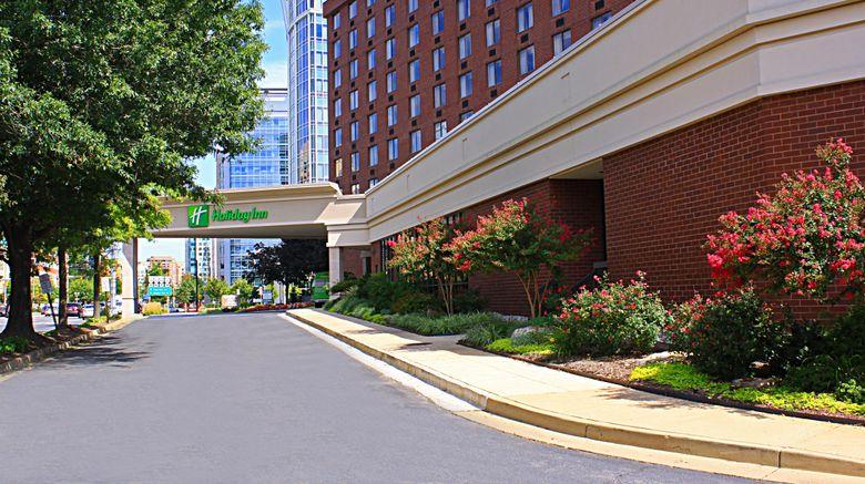 "Holiday Inn Arlington at Ballston Exterior. Images powered by <a href=""http://www.leonardo.com"" target=""_blank"" rel=""noopener"">Leonardo</a>."