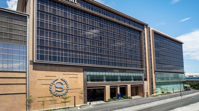 "Sheraton Manila Hotel Exterior. Images powered by <a href=""http://www.leonardo.com"" target=""_blank"" rel=""noopener"">Leonardo</a>."
