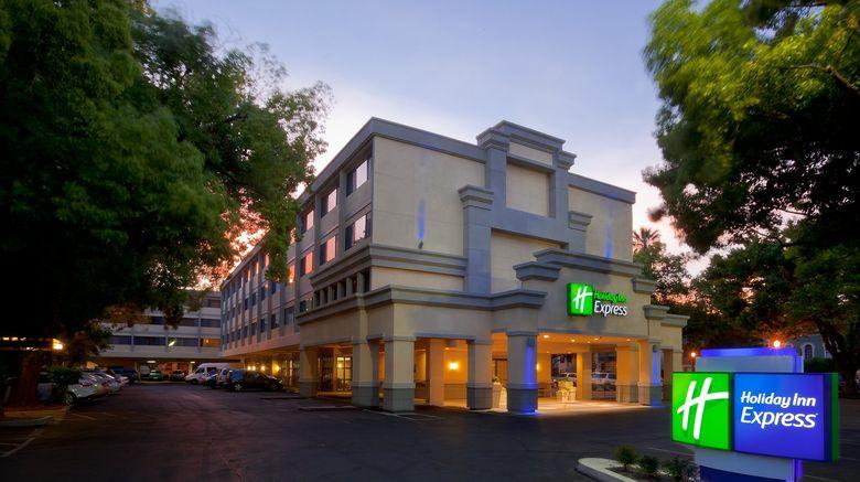 """Holiday Inn Express Sacramento Conv Ctr Exterior. Images powered by <a href=""""http://www.leonardo.com"""" target=""""_blank"""" rel=""""noopener"""">Leonardo</a>."""