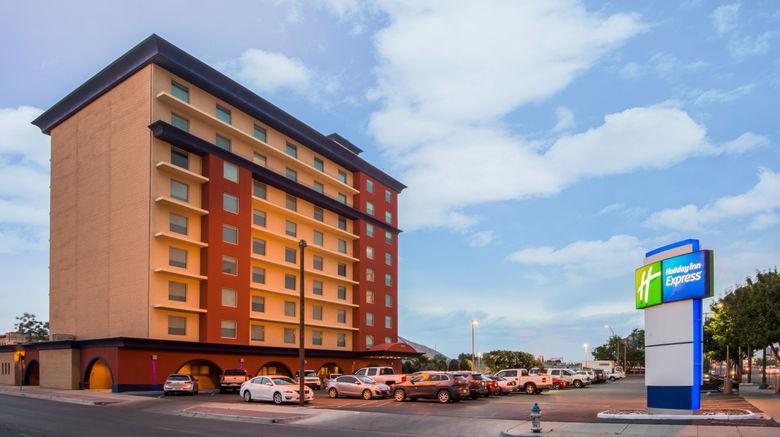 "Holiday Inn Express El Paso-Central Exterior. Images powered by <a href=""http://www.leonardo.com"" target=""_blank"" rel=""noopener"">Leonardo</a>."