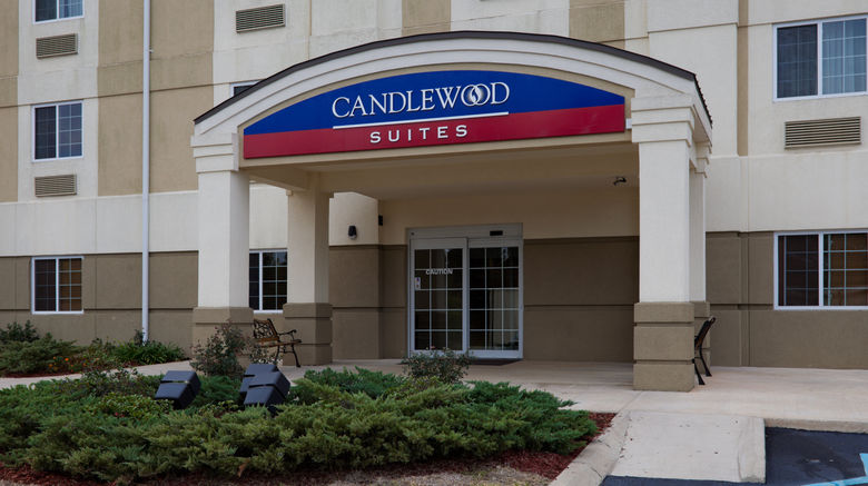 "Candlewood Suites Pearl Exterior. Images powered by <a href=""http://www.leonardo.com"" target=""_blank"" rel=""noopener"">Leonardo</a>."