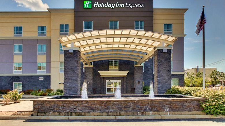 "Holiday Inn Express Cheektowaga NE Exterior. Images powered by <a href=""http://www.leonardo.com"" target=""_blank"" rel=""noopener"">Leonardo</a>."