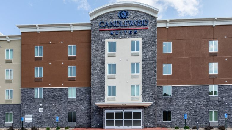 """Candlewood Suites Rochester Mayo Clinic Exterior. Images powered by <a href=""""http://www.leonardo.com"""" target=""""_blank"""" rel=""""noopener"""">Leonardo</a>."""