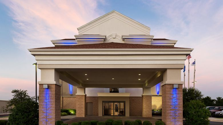 """Holiday Inn Express Hotel  and  Suites Shawn Exterior. Images powered by <a href=""""http://www.leonardo.com"""" target=""""_blank"""" rel=""""noopener"""">Leonardo</a>."""