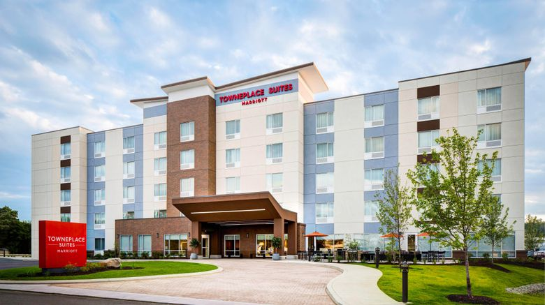 """TownePlace Suites Houston Hobby Airport Exterior. Images powered by <a href=""""http://www.leonardo.com"""" target=""""_blank"""" rel=""""noopener"""">Leonardo</a>."""