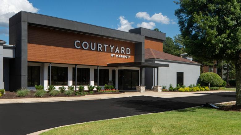 "Courtyard Memphis East/Park Avenue Exterior. Images powered by <a href=""http://www.leonardo.com"" target=""_blank"" rel=""noopener"">Leonardo</a>."