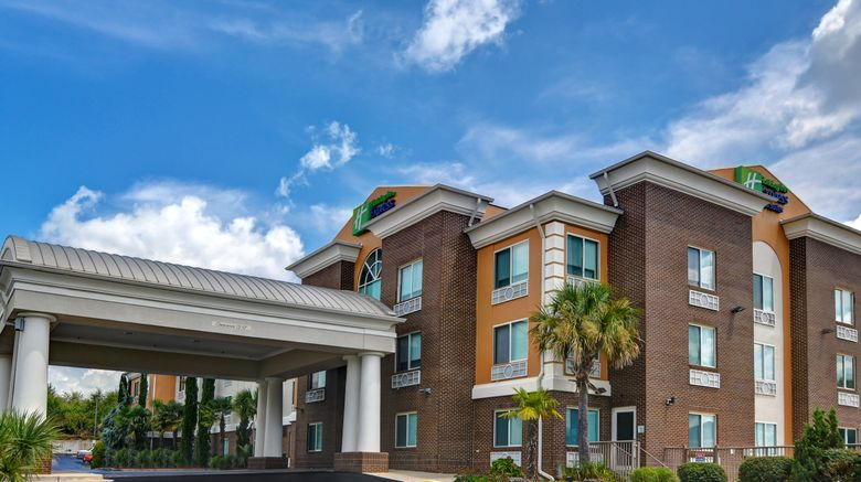 """Holiday Inn Express  and  Suites Anderson Exterior. Images powered by <a href=""""http://www.leonardo.com"""" target=""""_blank"""" rel=""""noopener"""">Leonardo</a>."""