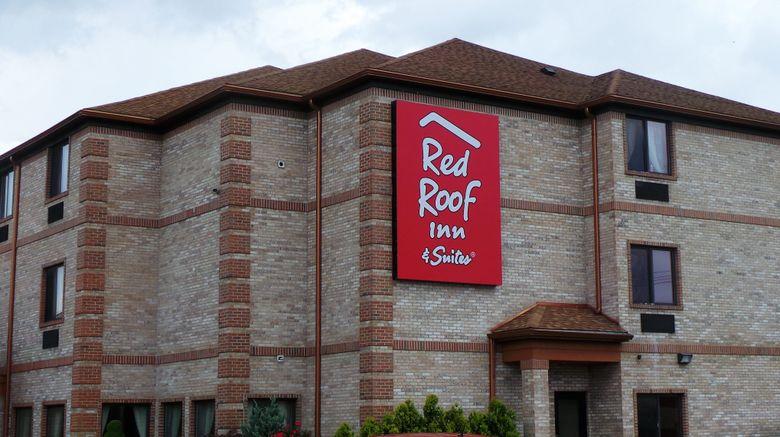 "Red Roof Inn  and  Suites Detroit-Melvindale Exterior. Images powered by <a href=""http://www.leonardo.com"" target=""_blank"" rel=""noopener"">Leonardo</a>."