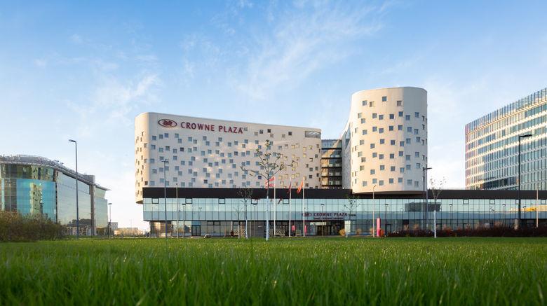 "Crowne Plaza Airport Exterior. Images powered by <a href=""http://www.leonardo.com"" target=""_blank"" rel=""noopener"">Leonardo</a>."