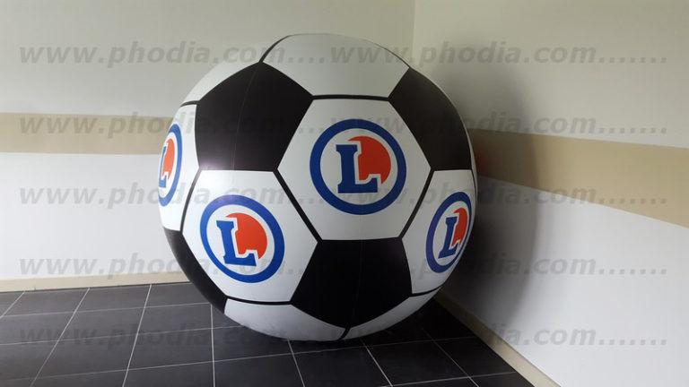 ballon de foot géant leclerc à syspendre pour marketing en hyper marché