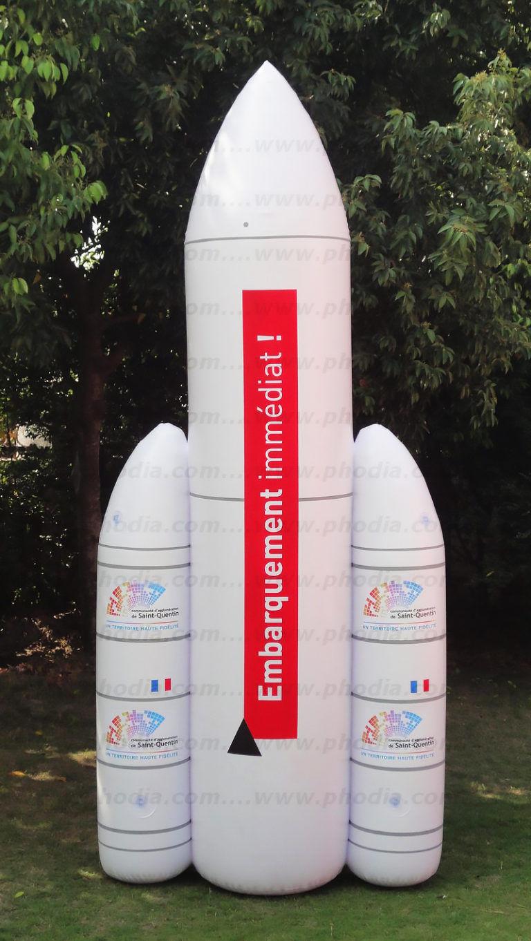 Fusée embarquement immédiat gonflée à l'air avec 2 étages