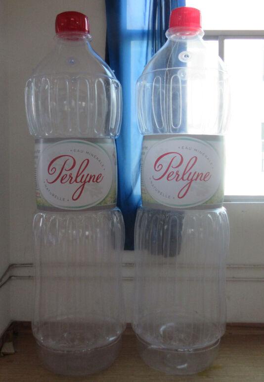 bouteille transparente géante perlyne pour publicité et plv