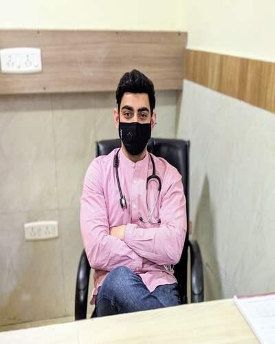 Dr. Ramit Singh Sambyal's clinic interiors in Vasant Kunj, Delhi