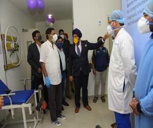 Dr Sandeep Singh demonstrating Naba kishore Das in Bhubaneswar