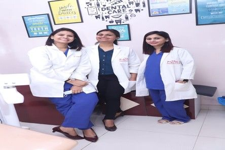 Dr Suchi with her staffs at Centre For Smiles