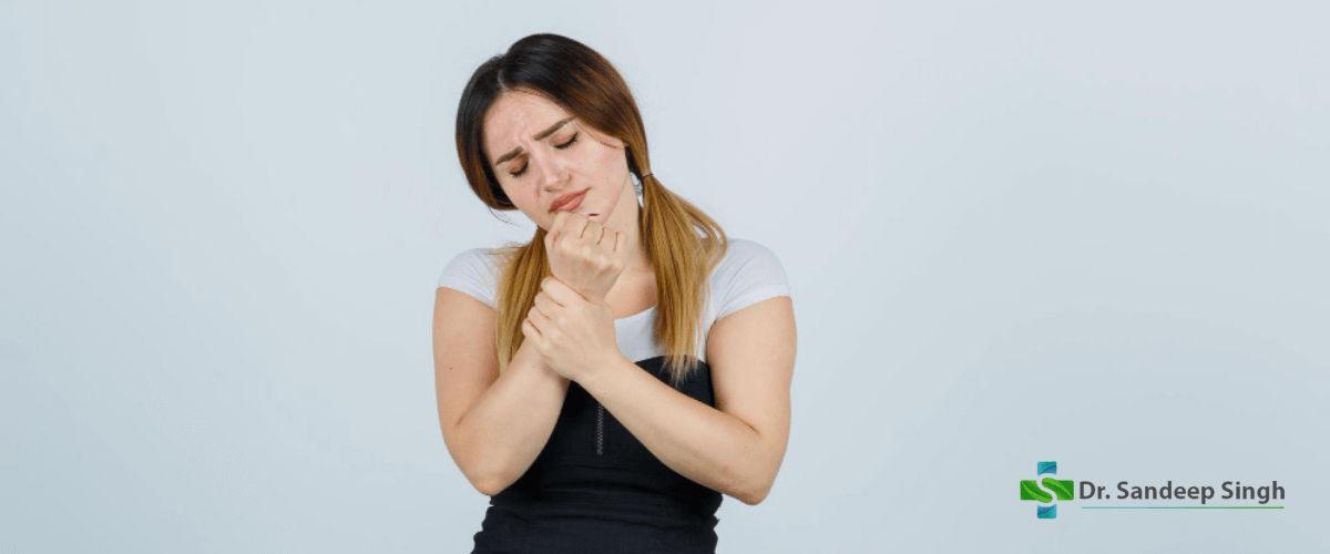 Wrist Pain Symptoms and Treatment
