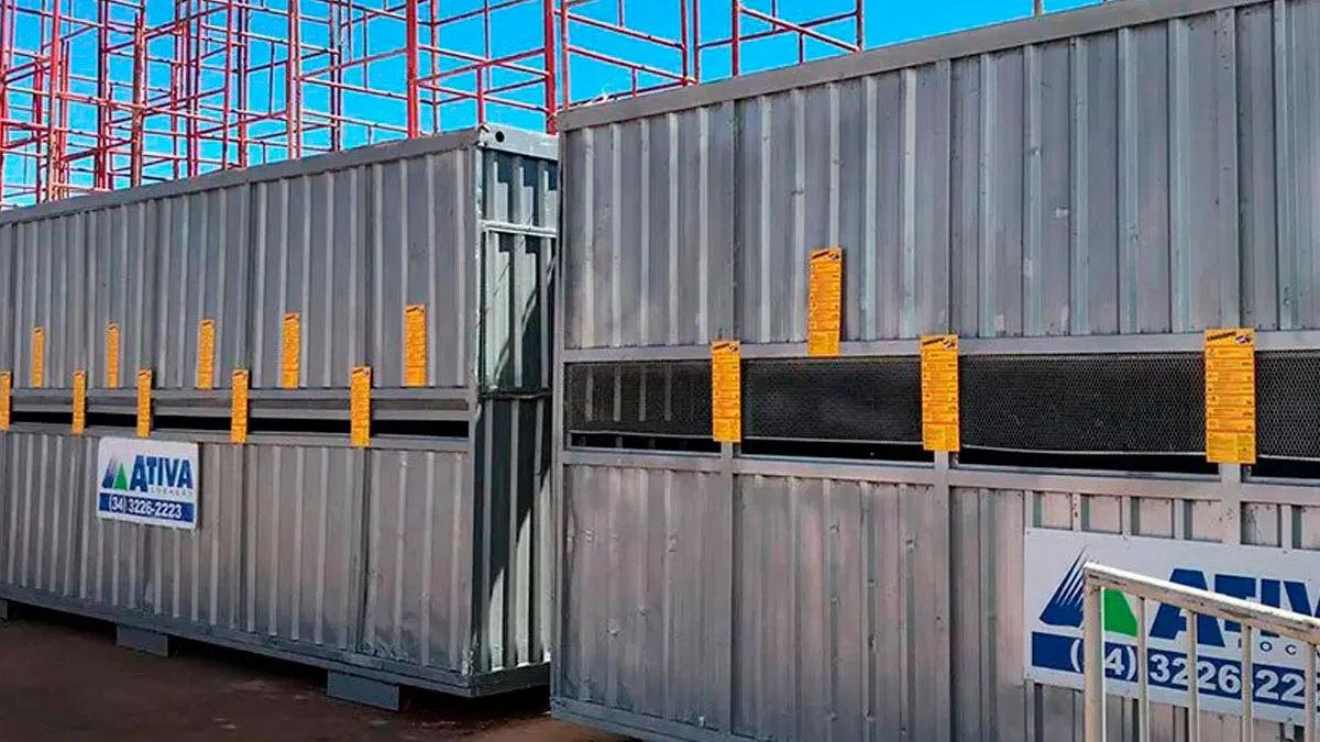 imagem-de-container-habitavel-sendo-usado-para-bilheteria-em-evento