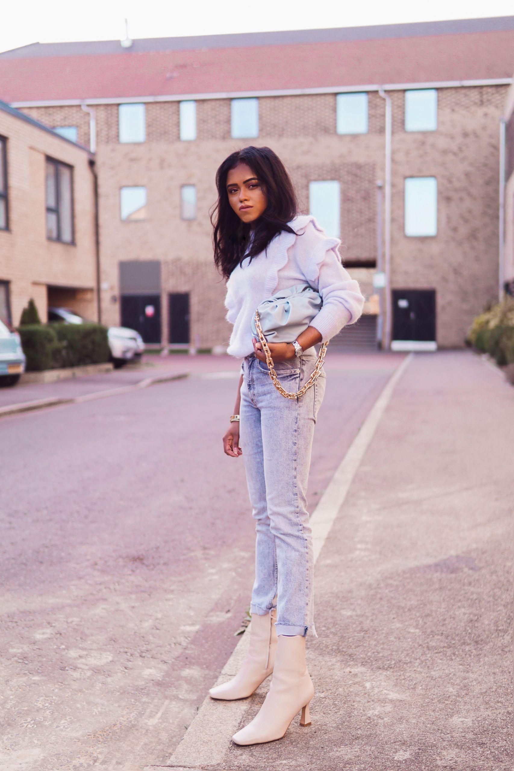 How to rock white boots this Spring - 1 | Sachini