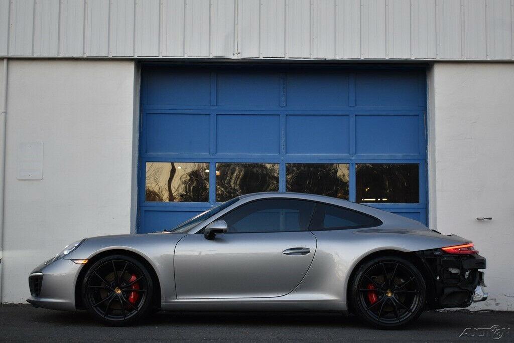 2017 Porsche 911 Carrera S [Salvage title]