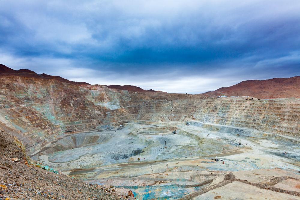 金属矿商South32以15.5亿美元收购Sierra Gorda铜矿45%股权,早盘冲高11%