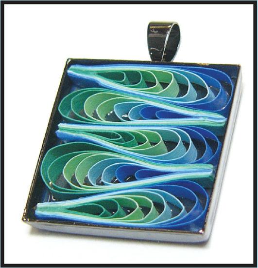 quilled ocean necklace design