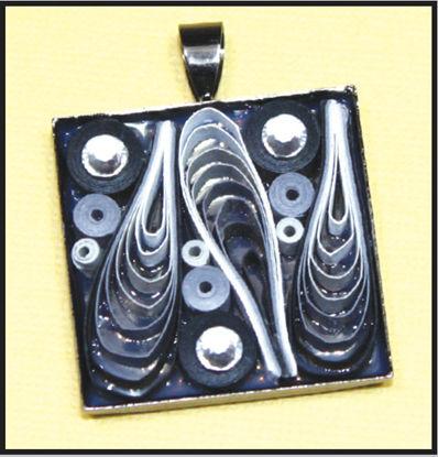 Art Deco Quilled Pendant Design