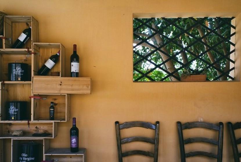 Neben Olivenöl produziert Planeta auch fantastische Weine