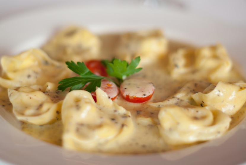 Speziell die Trüffelravioli gefüllt mit Quarkkäse an einer Trüffelrahmsauce sind eine Wucht.