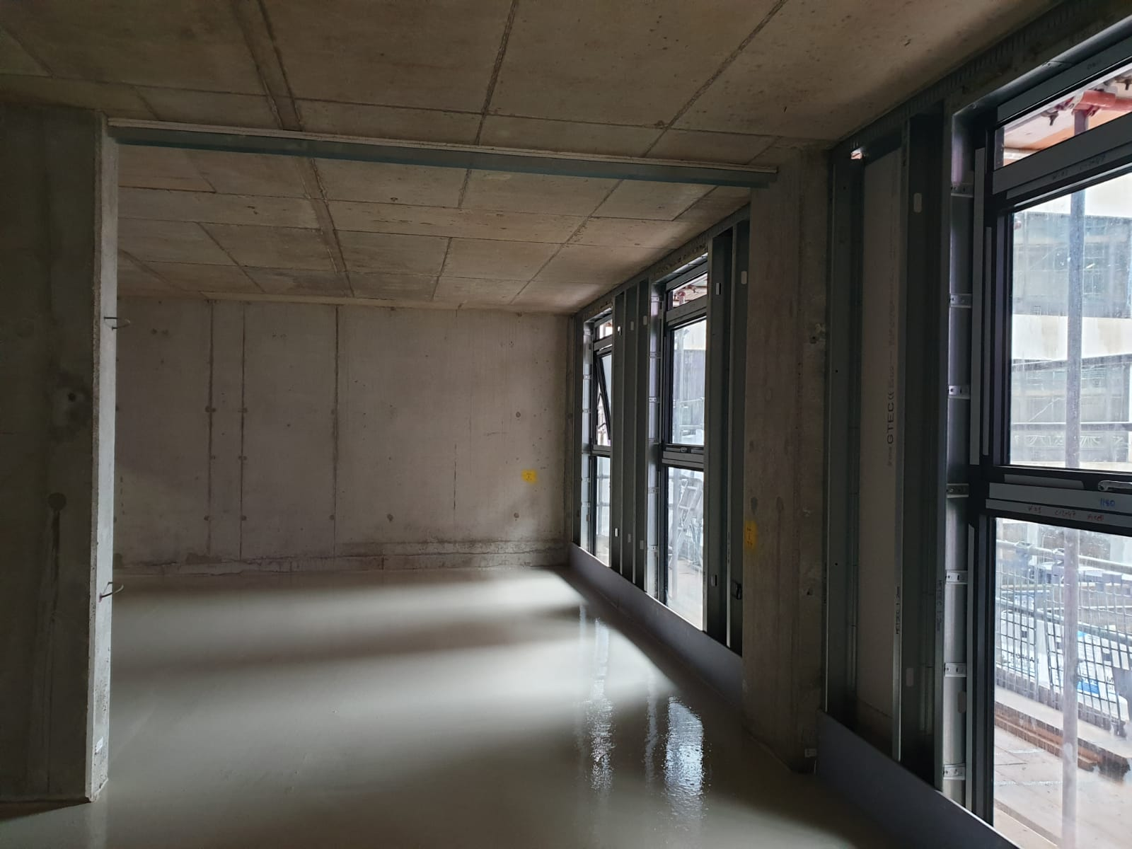 Gypsol TS-20 screed installed in apartment project slough