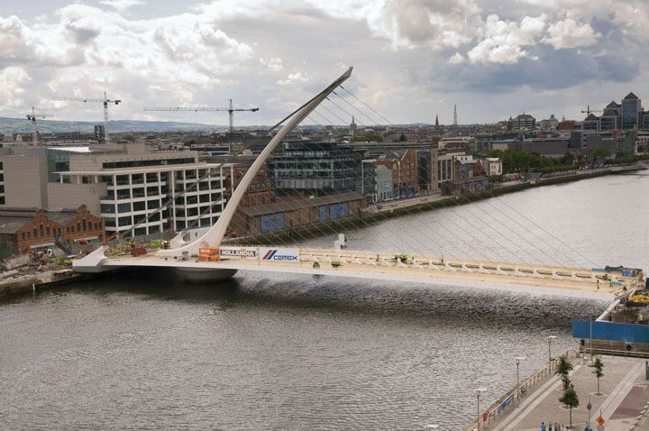 Construction Samuel Beckett Bridge