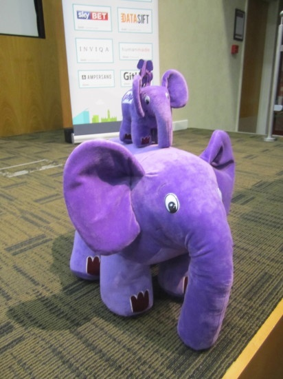 The pink elePHPants' Family of PHPwomen
