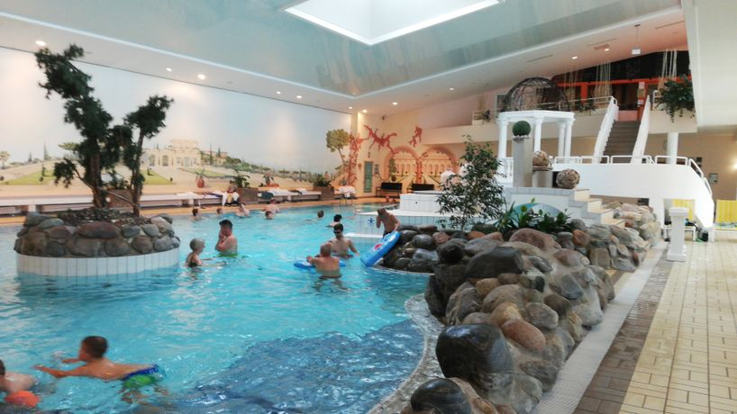 rhön park aktiv resort schwimmbad