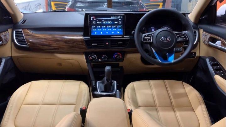 Kia Seltos Interiors Modified And Gets Rolls Royce Like Starlight Roof