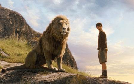 Chronicles of Narnia: The Lion, The Witch and The Wardrobe © Walt Disney Pictures. All Rights Reserved.